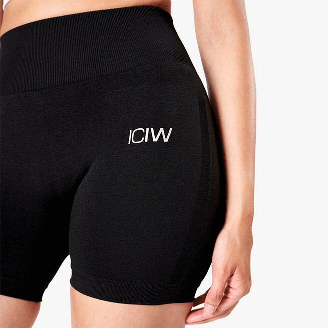 ICIW Queen Shorts, Black